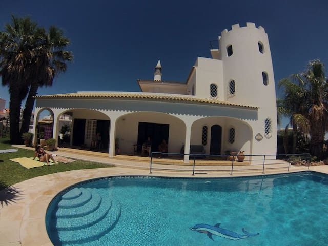 Villa with sea view,garden and pool - Albufeira - Flat