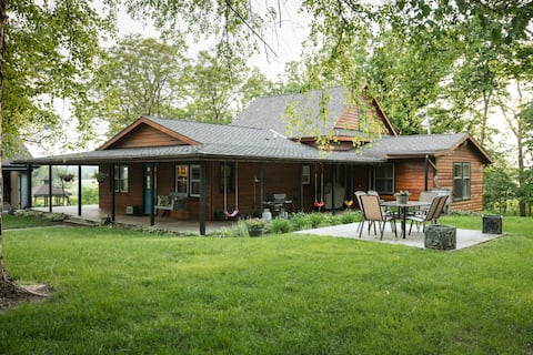 Centrally Located Serene Wooded Retreat w/ Hot Tub