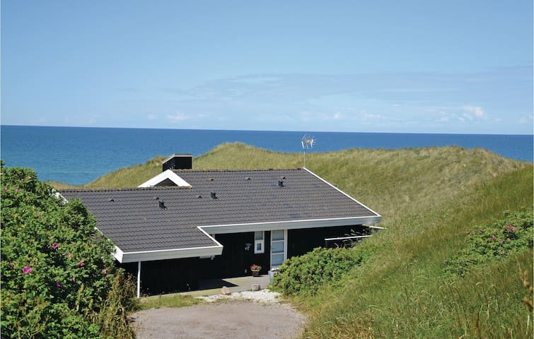 Holiday cottage with 3 bedrooms on 120m² in Hirtshals