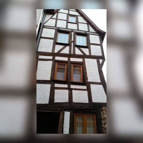 Zentral in der Oberstadt, beste Lage Marburgs - Marburg - Wohnung