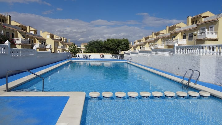 Sun Beach 3 Bed Family Holiday Villa WiFi Euro Sat