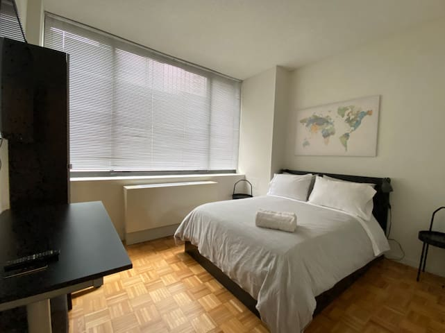 Clean, quiet, lux BR in Midtown