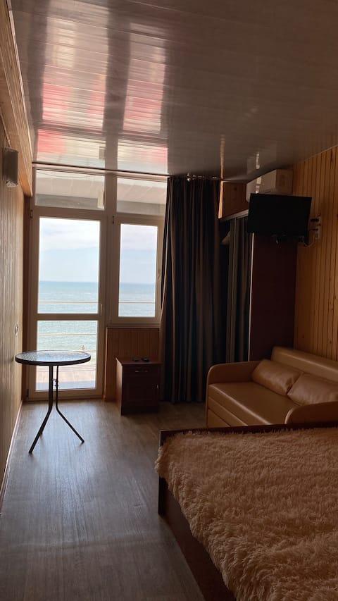 Apartamente cu vedere la mare. Vila Oliva