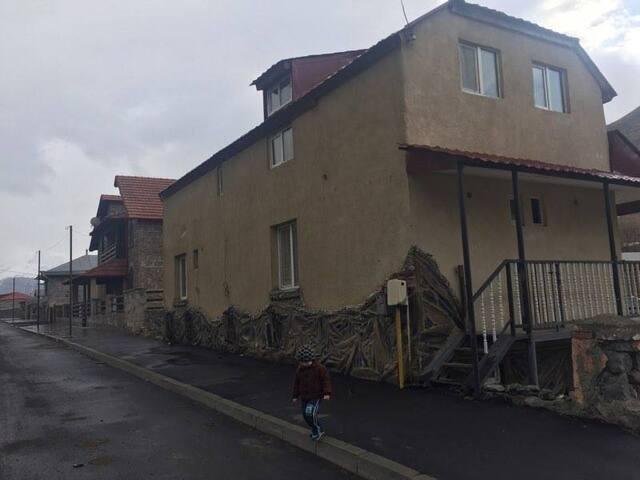 Гостевой дом Сончо в Казбеги - Stepantsminda
