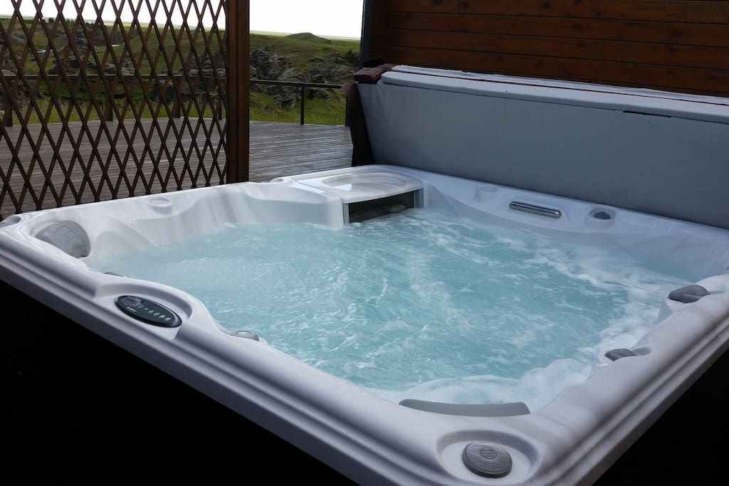 Perfect place for aurora borealis hunting. The jacuzzi has built in lights just in case the real northern lights are too shy to come out.