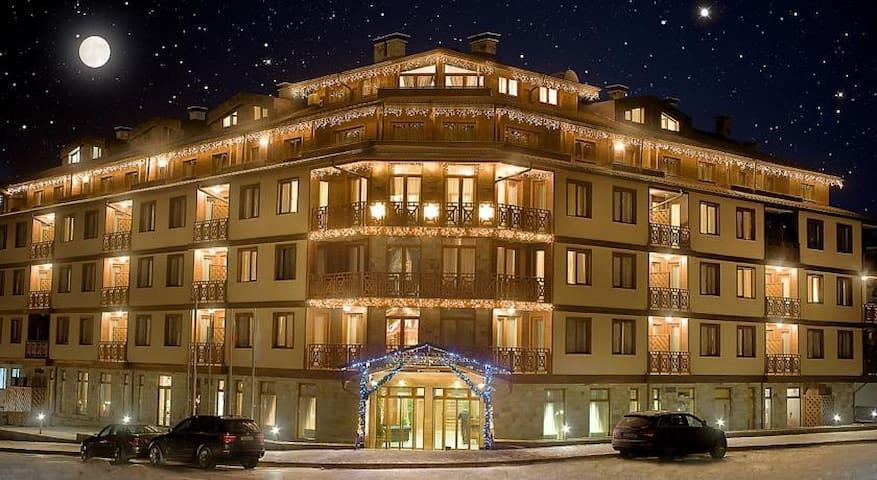 Luxurious Apartment is 4* Vihren Palas Ski&Spa - Bansko - Apartamento