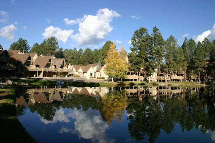 Ruidoso Condo on Golf Course at Innsbrook Village