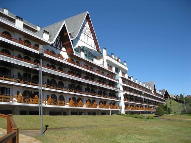 Lindo Apartamento - Condomínio no Alto do Capivari