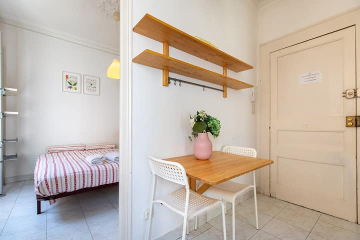 One bedroom apartment in the gothic of BCN