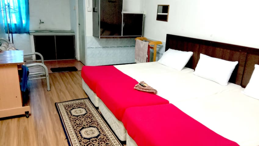 Affordable Double Rooms (Max 3 peoples)