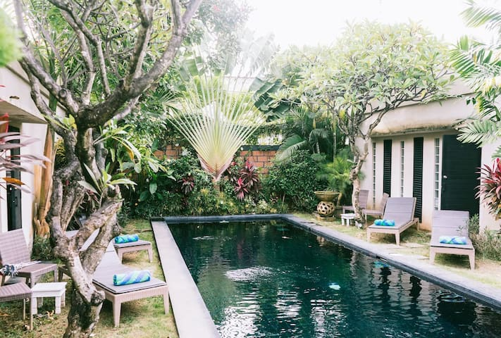 C. Large1BR+ensuite, shared pool villa in Seminyak