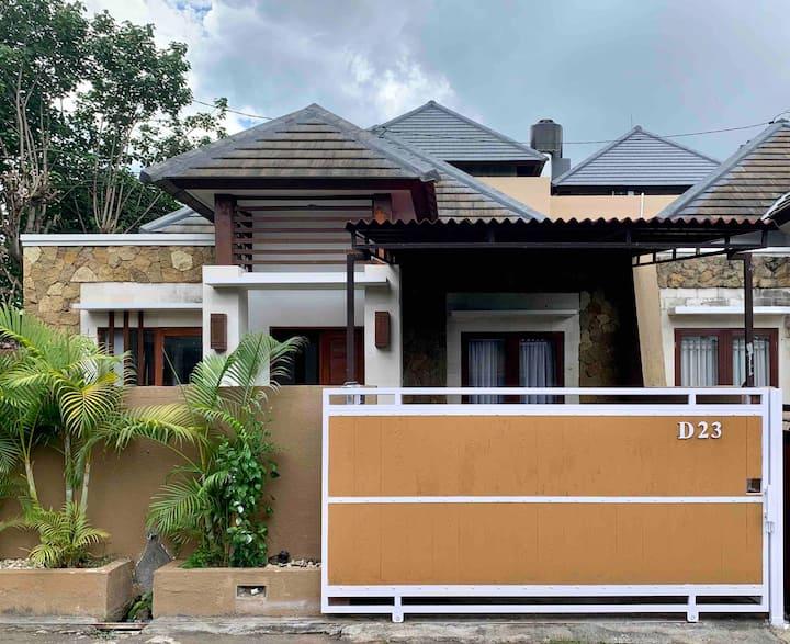 Cozy House  @RoyalGarden D23 - Taman Giri/Nusa Dua