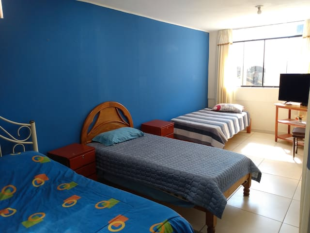 Habitación Triple cerca al centro de Tacna