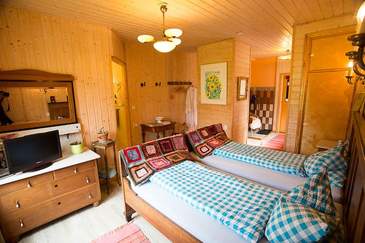 Holiday rooms in Finnish nature, half-board, wifi