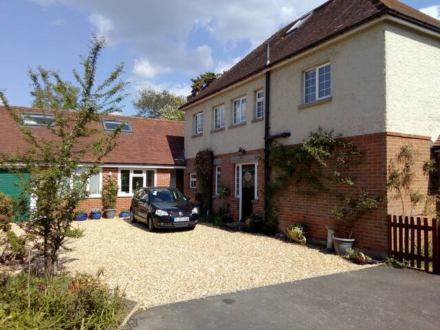 New Forest Double Bedsit Ensuite Bath Self Cater