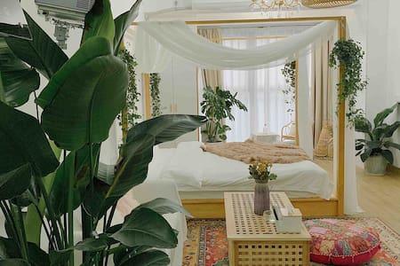 【shala】民宿 北欧摩洛哥 投影大床 拍照聚会  高层夜景  有洗衣机  地王公馆 近步步高五星