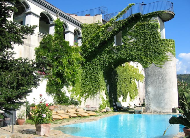 Agriturismo B&B Paestum whole Villa for 16 and +!