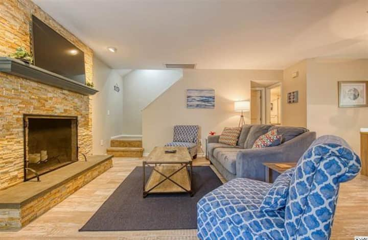 3BR/2BA Fully Equipped and Remodeled Beach Home