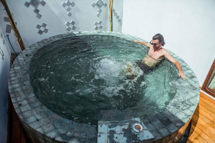 Plunge Pool 2 Adul Deluxe Gili Air CAmilla