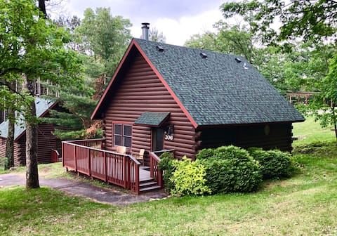 2 bedroom Modern Rustic Cabin - No Cleaning Fee