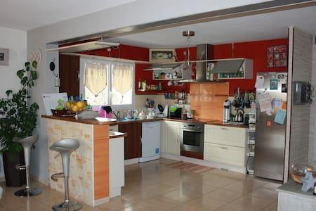maison individuelle - Guimiliau