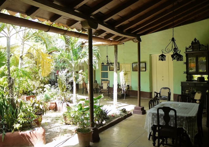 Casa Bequer [Room 2]