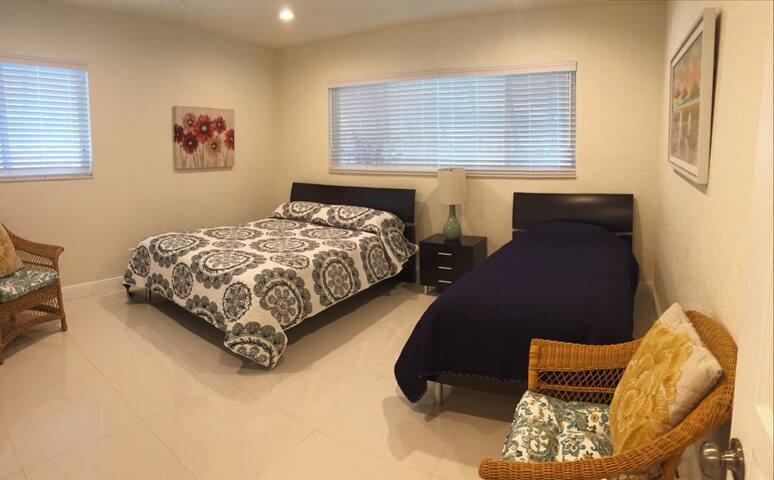3 bedroom 1 queen & 1 twin