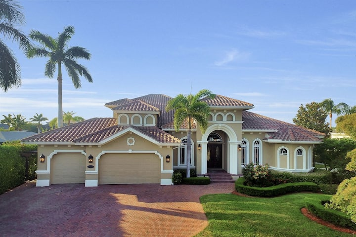 Live like a King in this spacious and private two story home.