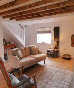 Aquila Cottage-Luxury Hadrians Wall log burner