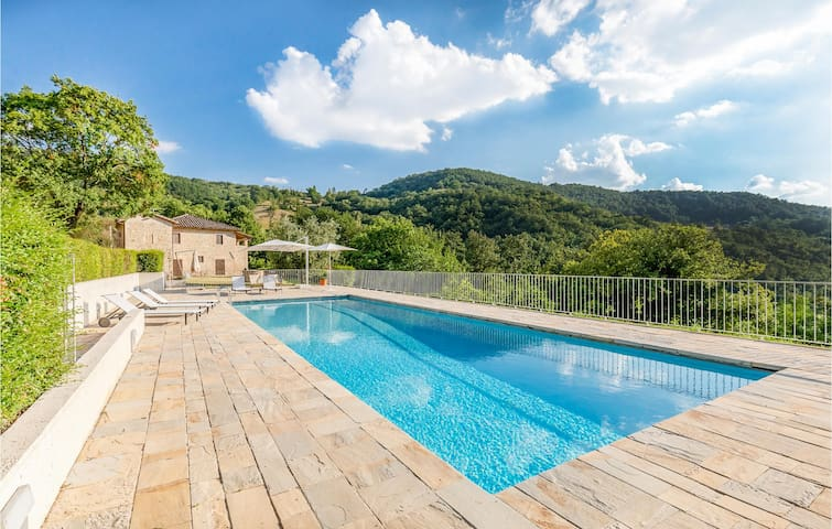 Holiday cottage with 1 bedroom on 50m² in Valfabbrica PG