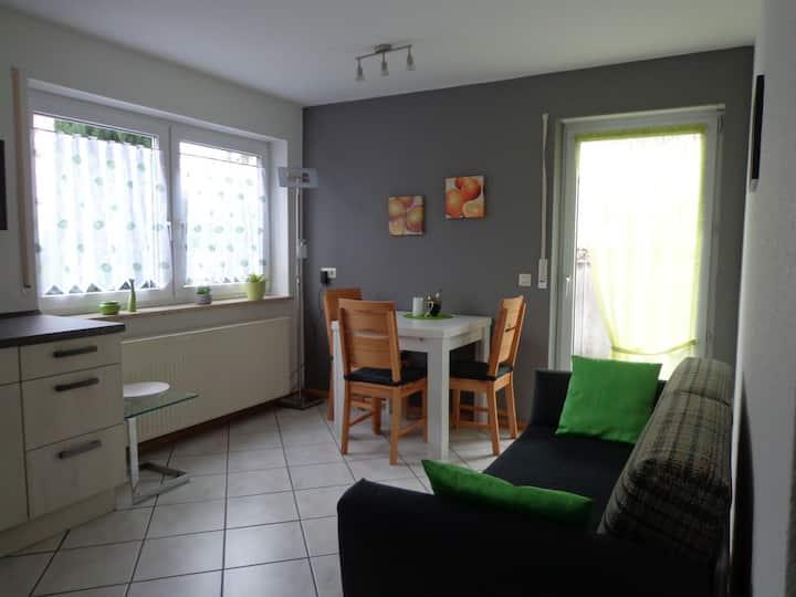 Haus am Weinberg 2, (Endingen), Ferienwohnung 2, 43qm, 1 Schlafzimmer, 1 Wohn-/Schlafzimmer, max. 3 Personen