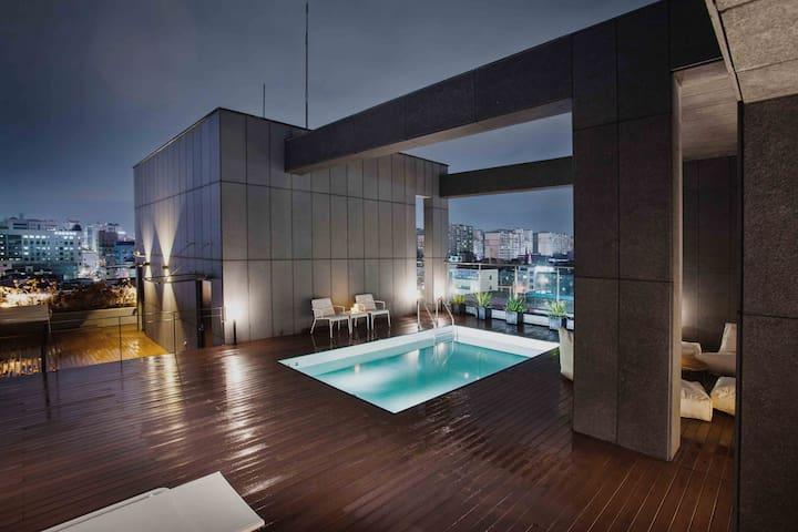 SUWON HOTEL GADEN & BIZ 수원 호텔 가덴 앤 비즈 - Suwon-si - Hotel boutique