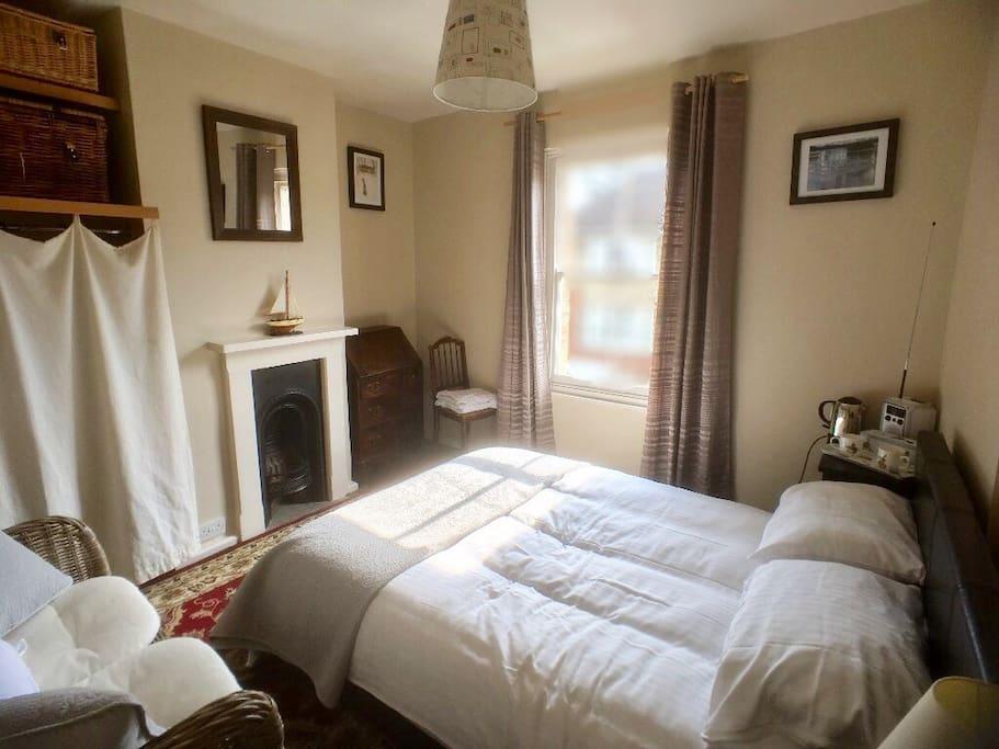 Master (main) bedroom