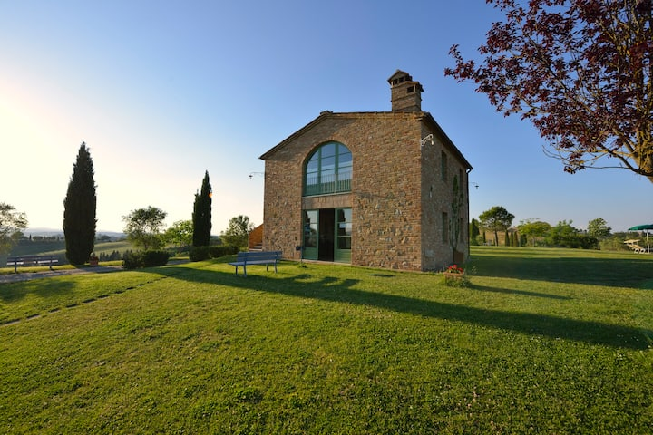 Tuscan Loft With Great Views, Monthly Stays
