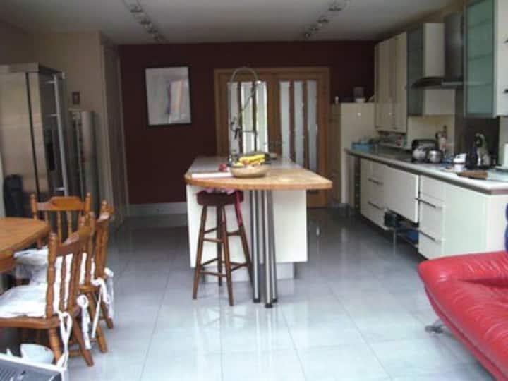Twin room - Ballsbridge- 2 min walk from Aviva