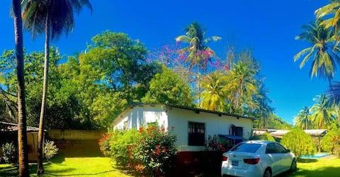 Amatecampo beach house, Rancho Lita.