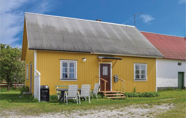 Holiday cottage with 3 bedrooms on 70m² in Katthammarsvik