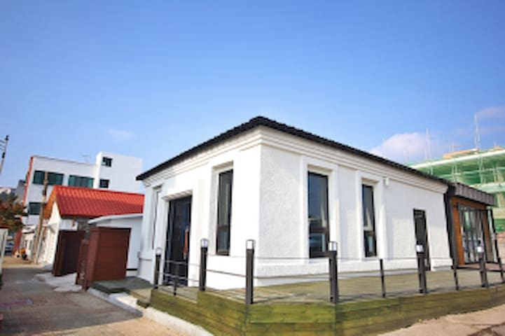 Jeju ED_Moonsum - Seogwi-dong, Seogwipo - Pension (Korea)