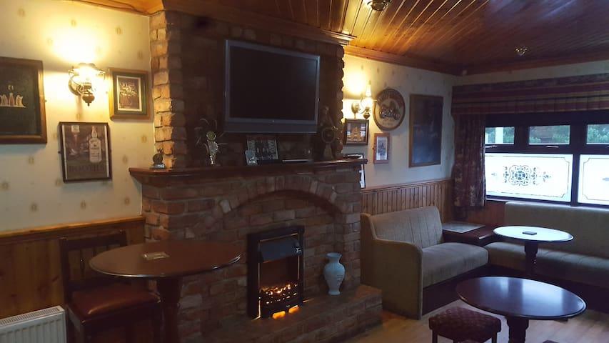 Sliabh Liag Inn Luxury Double En Suite Room.
