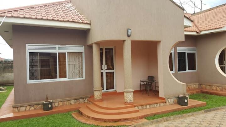 Pinegrove Apartments Kla-Furnished