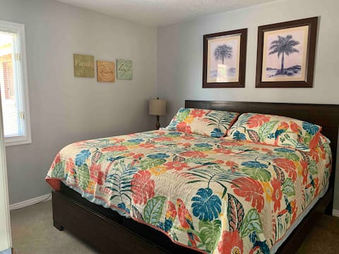Tropical Desert Stay with Resort Amenities