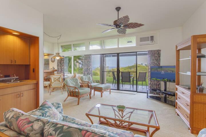 Villa 514. 5th Night FREE! Enjoy a beautiful Maui sunrise, or moonrise, in this ocean view villa!