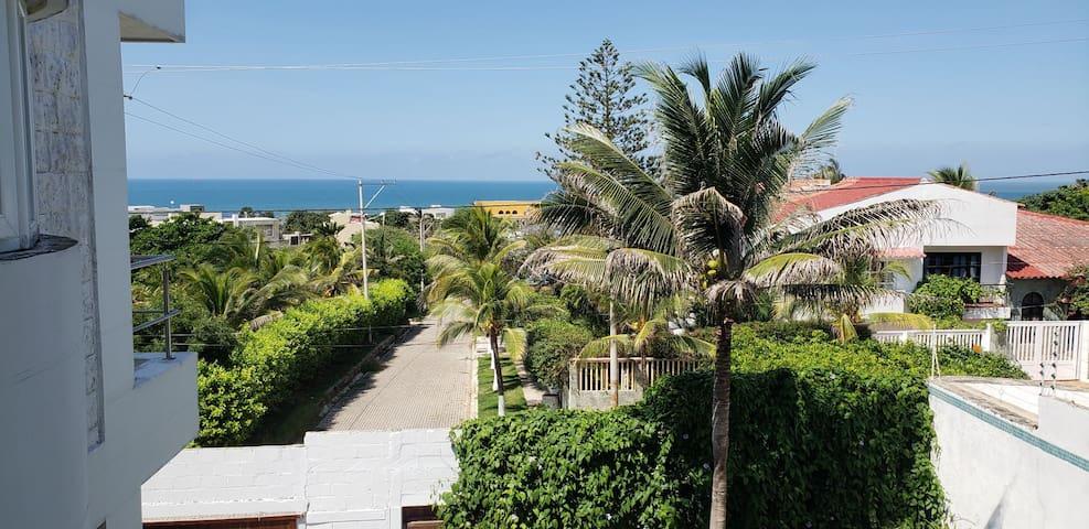 Habitación con vista al mar y Castillo de Salgar