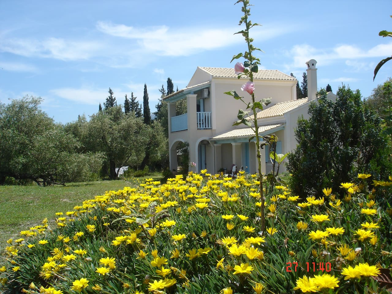 Asfodelos farm house - the frond side