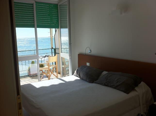 Camera vista mare con balcone a  Fegina - Monterosso al Mare - Bed & Breakfast