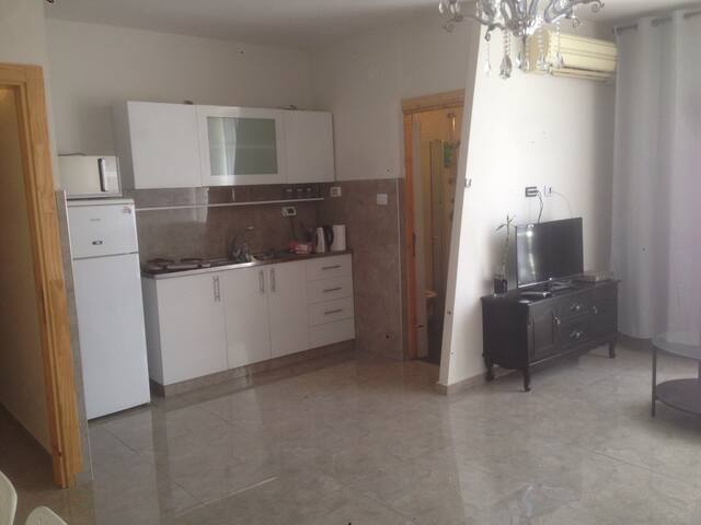 Apartment one minute from the kikar - נתניה - Byt