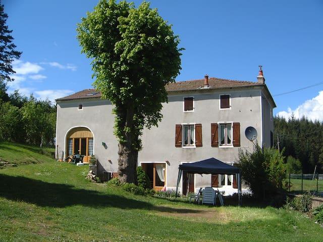 B&B / cdh Maison Neuve Auvergne - Grandval - Oda + Kahvaltı