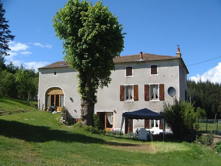 CdH Maison Neuve en Auvergne (max 3 pers.)