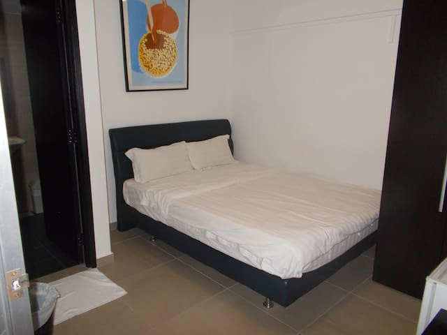Offer! Orchard Private Rm with bathroom - (UC) - Singapur - Departamento
