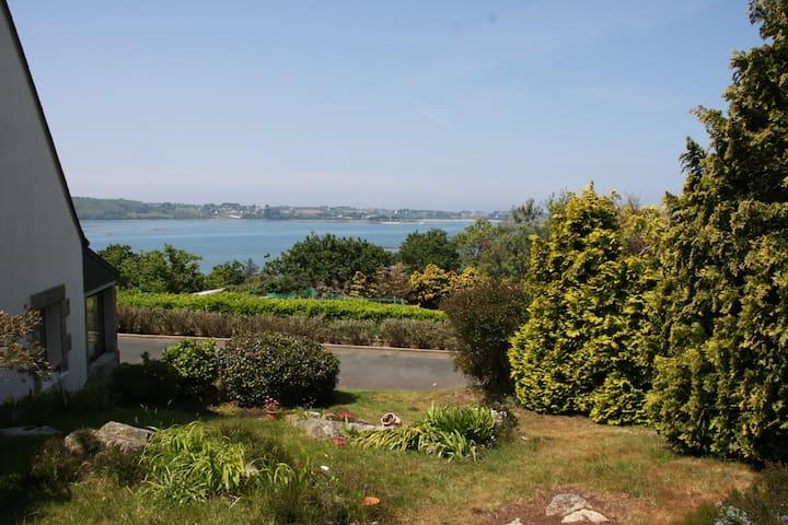 Maison vue panoramique sur mer - Kerbors - House